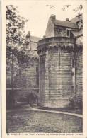 NANTES - Les Tours D'entrée Du Château Et Les Douves - Nantes