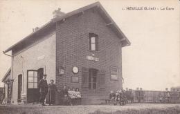 Néville. La Gare. - Unclassified