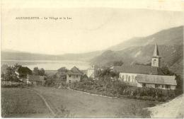 73/CPA - Aiguebelette - Le Village Et Le Lac - France