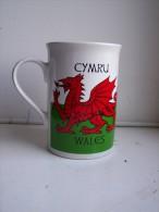 TASSE MUG CYMRU WALES DRAGON PENDRAGON FAÏENCE Emblème Du Pays De Galles Dragon Rouge - Autres
