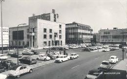 Heerlen, Raadhuisplein  (met Klassieke Auto's, 2cv En Volkswagen O.a.)) - Heerlen
