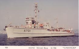 Bateau Marine  Militaire France Ajonc Batiment Base 10-1980 Couleur Marius Bar + Equipage - Guerre