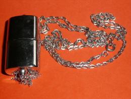 Rare Montre à Quartz Pendentif Collier Chaine De La Marque KELIA - Montres Bijoux