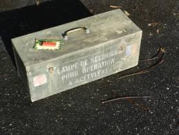 SERVICE de SANTE : CAISSE LAMPE SECOURS OPERATION � ACETYLENE