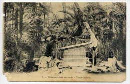 Alg�rie--TOUAT-SAHARA---Tisserand dans un oasis (belle animation,vieux m�tier) n�7 �d ???--carte pr�curseur