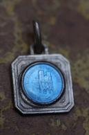 """Pendentif Médaille Religieuse """"Cathédrale De Reims"""" Métal + émail - Religious Pendant - Religion & Esotericism"""