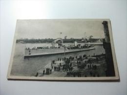 Nave Ship Brindisi Porto Interno - Guerra