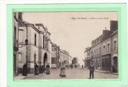 NORT-SUR-ERDRE (44) / EDIFICES / La Mairie Et Rue Des Halles / Animation - Nort Sur Erdre