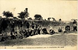 NIGER - ZINDER - TRAVAUX DE TERRASSEMENT POUR LA CONSTRUCTION DES CAVES. - Niger