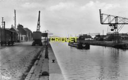 Cpsm 62 Arques, Les Quais Du Canal, Péniche, Grues, Wagon..., Belle Carte Peu Courante - Arques