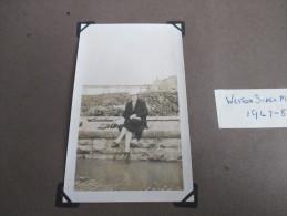 Scrapbook Pages Photographs 1947-8 Weston Super Mare - Personas Anónimos