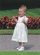 Princess   Estelle  Sweden   ( Rood 5109 - Familles Royales