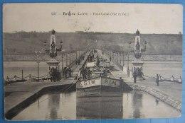 CPA Briare Pont Canal (bateau Péniche) - Péniches
