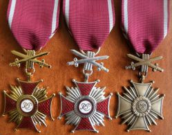 Polish Cross Of Merit With Swords - Autres Pays