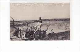 SOMALIE - Benadir, La Civilta In Africa, L'Aratro Meccanico Condotto Da Un'indigeno / Machine Agricole, Agriculture - Somalië