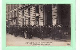 PARIS (75000)/EVENEMENTS/GREVES /GREVE GENERALE DES CHEMINS DE FER / Les Cheminots à La Bourse Du Travail / Animation - Grèves
