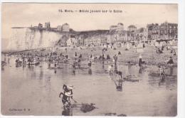 21971 MERS LES BAINS Bébés Jouant Sur Le Sable -RF 15 -noir Et Blanc Enfant - Peche Lançons ? - Mers Les Bains