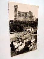 Carte Postale Ancienne : BIARRITZ : Port Des Pecheurs Et Eglise Ste Eugenie - Biarritz