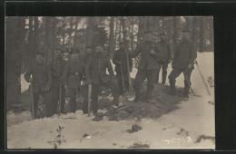 Photo-CPA Pioniere Errichten Im Wald Einen Unterstand - War 1914-18