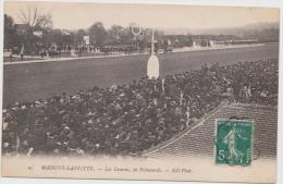 CPA MAISONS-LAFFITTE  Les Courses, Les Pelousards - Maisons-Laffitte