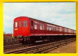 LONDON TRANSPORT UNDERGROUND P STOCK 1938 METROPOLITAN LINE METRO TUBE TRAIN TREIN LOCOMOTIVE LOCOMOTIEF ZUG TRENO 1125 - Metro