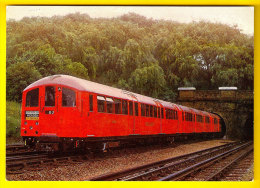 LONDON TRANSPORT UNDERGROUND TUBE STOCK TRAIN 1938 CENTRAL LINE METRO TREIN LOCOMOTIVE LOCOMOTIEF ZUG TRENO STATION 1197 - Metro