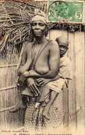 Afrique : Sénégal, Dakar, Une Bonne Nourrice, Seins Nus, Collection Ganamet N°45, Voyagée, Vendue En L´état.. - Afrique Du Sud, Est, Ouest