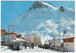 LAC DE TIGNES - SAVOIE - LA STATION... - PISTE DE LA TOVIERE - 1971 - AUTOMOBILI - CARS - BUS - Otros Municipios