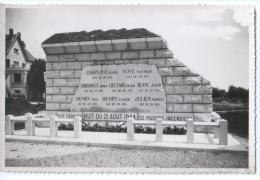 """Cpsm """" COMBLANCHIEN - Monument à La Mémoire Des Fusillés Du 21 Août 1944 """" - Beaune"""