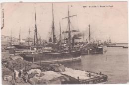 Algerie  Alger  Dans Le Port - Algiers