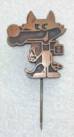 Olympic Pin SARAJEVO 1984 YUGOSLAVIA,  VUCKO Mascot Brown Very Rare - Olympische Spelen