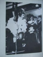 Autographe Michelle NADAL Dans FRENCH CANCAN De Jean Renoir Sur Carte Postale Type Programme - Autographes
