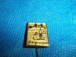 "1984 Sarajevo Winter Olympics 1 1/2"" Gold ""Vuchko"" The Wolf Stick Pin - Olympic Games"