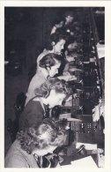 Postcard Telephone Operators Faraday Building London 1946 Nostalgia Repro - Professions