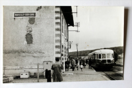 Photo Autorail  En Gare De MARCILLYsur EURE Dernier Jour 30/6/69 Col Schnabel - Gares - Avec Trains