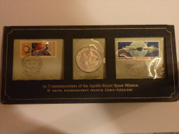 Commémoration Apollo-Soyuz FDC Médaille Argent Et Timbres. - Monnaies