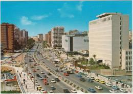 Malaga:100+ OLDTIMER AUTO'S: AUSTIN MINI, CITROËN 2CV,DYANE,GS, RENAULT 4,5,12,SEAT 127,131 - Prolongación De La Alameda - Toerisme