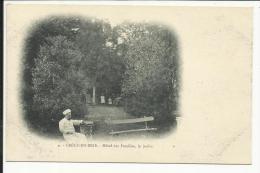 CRECY EN BRIE , Hôtel Des Familles , Le Jardin , CPA ANIMEE - France
