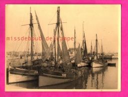 Belle Photo Grand Format - Ancien Voiliers Bateaux De Pêche - Beautiful Photo Large Format - Old Sailboats Fishing Boats - Boats
