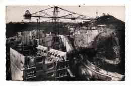 Bort Les Orgues Construction Du Barrage Phase Du Coulage Des Plots Avec Grue Ecrite En 1951 Photo Sully - Autres Communes