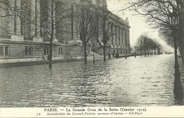 PARIS _ - Inondation Du Grand-Palais, Avenue D'Antin- - Grande Crue De La Seine (janvier 1910)         -- ND 76 - Arrondissement: 08