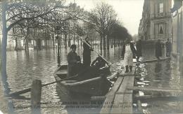 PARIS 8 -  Inondation De La Rue Montaigne, Service De Ravi  - - Grande Crue De La Seine (janvier 1910)         -- ND 159 - Arrondissement: 08