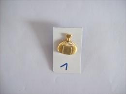 PIN´S - AZZARO  9 D'azzaro - Voir Photo (1) - Parfum