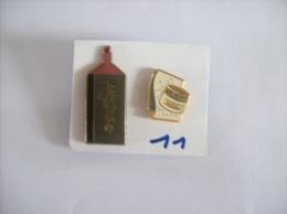 PIN´S -  LANCOME  Maquillage Et Soins- Niosomes Plus  -  Lot De 2 Pin's    - Voir Photo ( 11 ) - Parfum