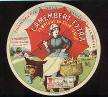 Etiquette De Fromage Camembert  30 %   -   R. Martinet  à  Souillac  (17) - Fromage