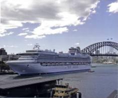 Cruise Ship In Sydney - Diamond Princess - Dampfer