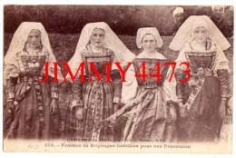 CPA N°578 COSTUMES DE BRETAGNE Femmes De BRIGNOGAN 29 Finistère Habillées Pour Une Procession - Coll. E. Hamonic , St-B. - Brignogan-Plage