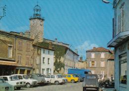 63 - LEZOUX - Au Centre De La Cité, La Place Rimbert - Tabac - Autos Citroen Peugeot - Lezoux