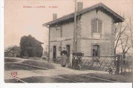FOISSY SUR VANNE LA HALTE (FEMME DEVANT LA GARE)  1918 - Frankreich