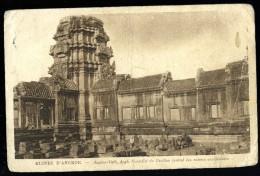 Cpa Du Cambodge  Ruines D' Angkor -- Angkor-Vath Angle Nord Est Du Pavillon Central Des Entrées Occidentales  MABT24 - Cambodia